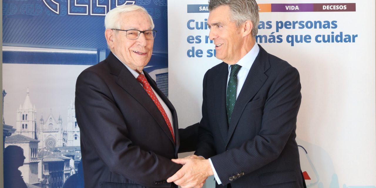 Fele y Asisa firman un convenio de colaboración que beneficia a más de 4.500 empresas